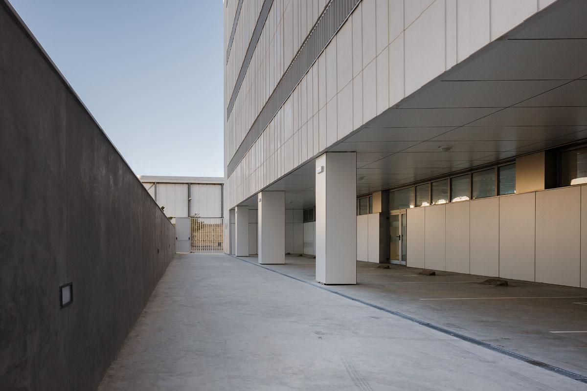 Sede del servicio p blico de empleo estatal en huelva - Arquitectos en cordoba ...