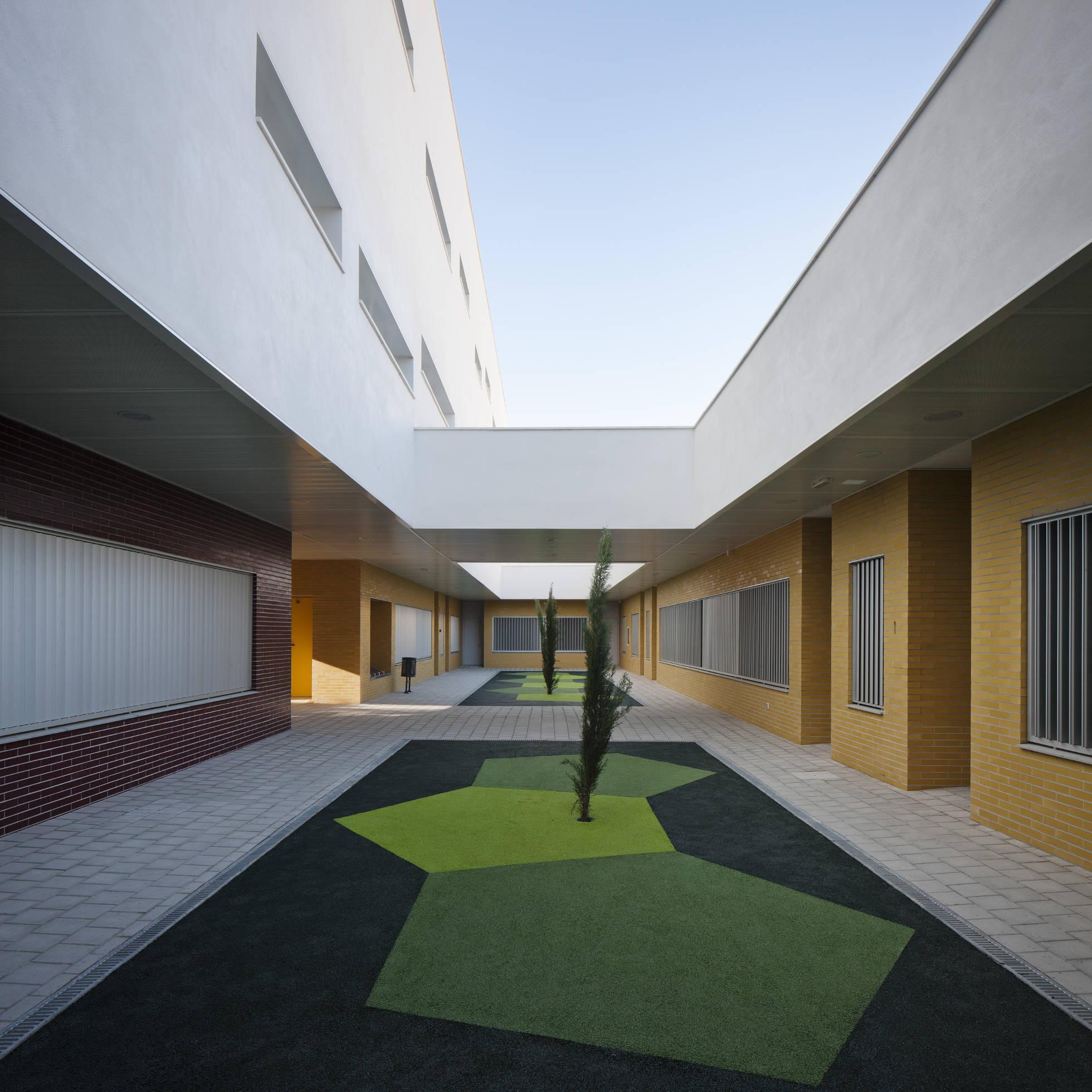 Centro de educación infantil y primaria en Córdoba